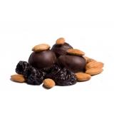 Чернослив в шоколаде с миндалем